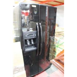 MAYTAG BLACK 2 DOOR SIDE BY SIDE W INDOOR ICE AND