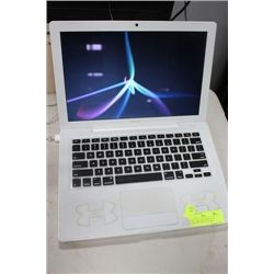 WHITE APPLE MACBOOK WITH WEBCAM W/GOOD BATTERY
