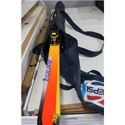 DOWN HILL SKIS MONOCOQUE 6.5FT W POLES