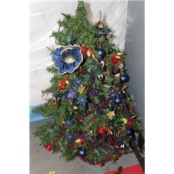 PRE DECORATED ILLUMINATED CHRISTMAS TREE