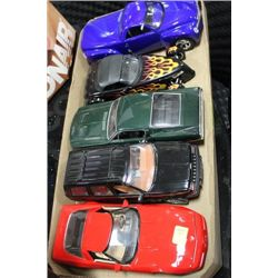 FLAT OF 5 COLLECTIBLE 1:18 SCALE DIE CAST CARS