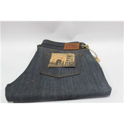 PAIR OF SYNC MENS JEANS SIZE 42