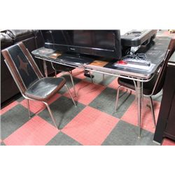 VINTAGE TABLE W 4 CHAIRS