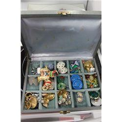 ESTATE BOX W EARRINGS