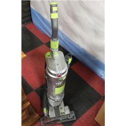 HOOVER WIND TUNNEL MULTI-CYCLONIC VACUUM