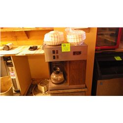Bunn cofee maker and stand