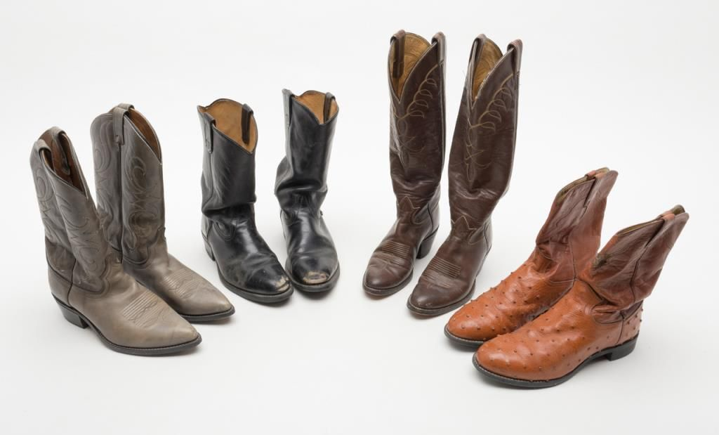 1a7497f5ae3 Lot of 3 pair used cowboy boots and 1 pair of cowgirl boots including  well-worn size 9 black boot