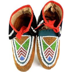 Eastern beaded moccasins with abstract