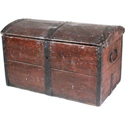 Early pine immigrants trunk with dome top,