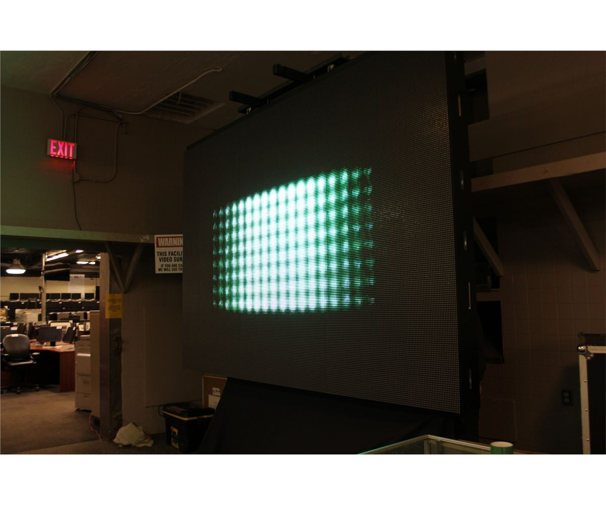 LED VIDEO WALL DISPLAY INCLUDES: 6 X MODULAR