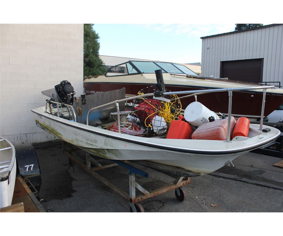 BOSTON WHALER & CONTENTS INCLUDING: JOHNSON 60HP OUTBOARD