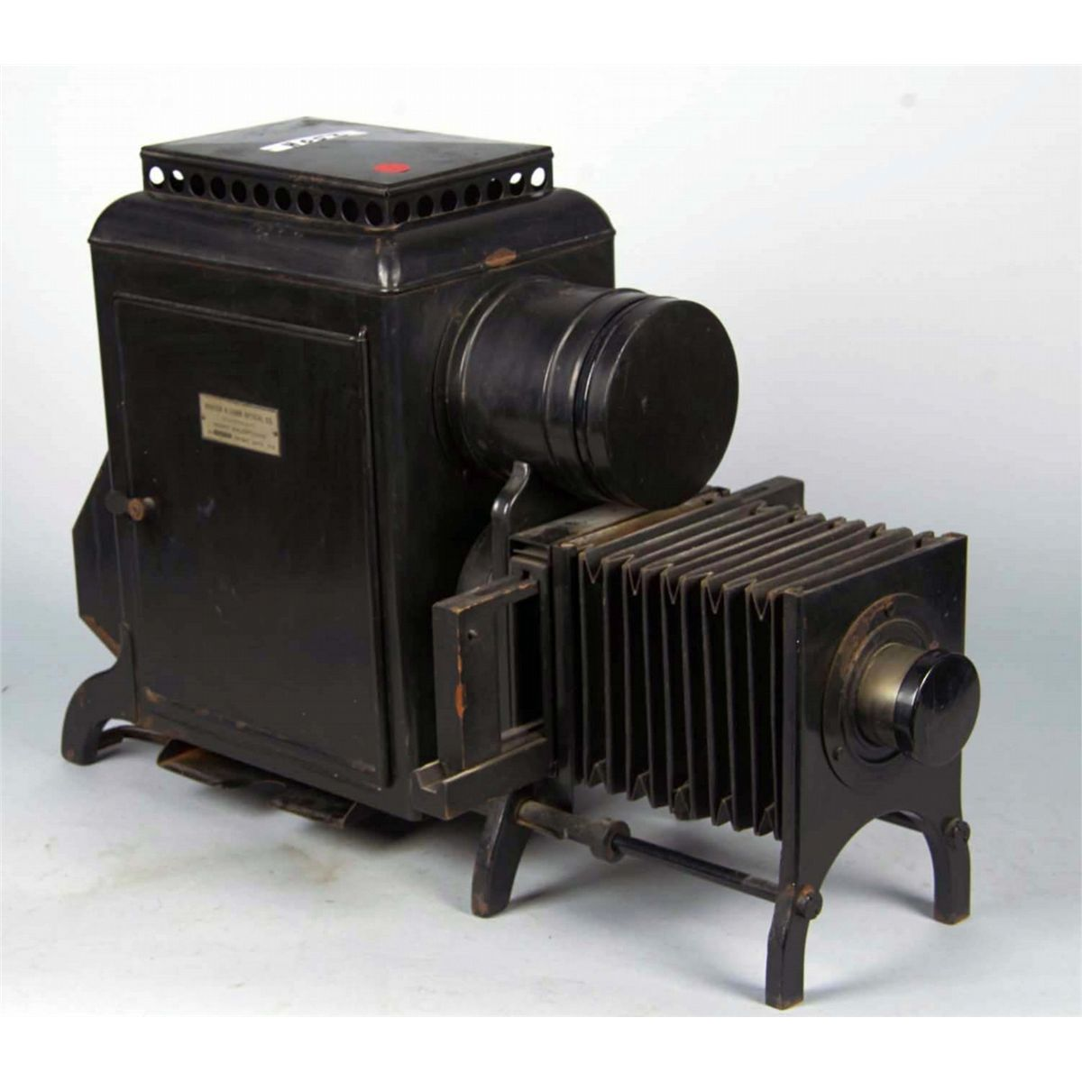 3f9cc5f090 Bausch   Lomb Home Balopticon Slide Projector