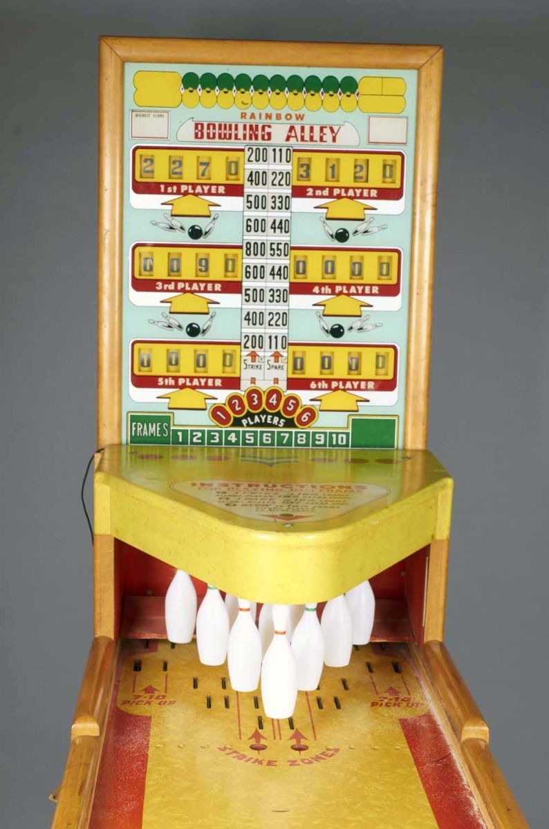 10 ¢ Rainbow Bowling Alley 6 Player Arcade Game