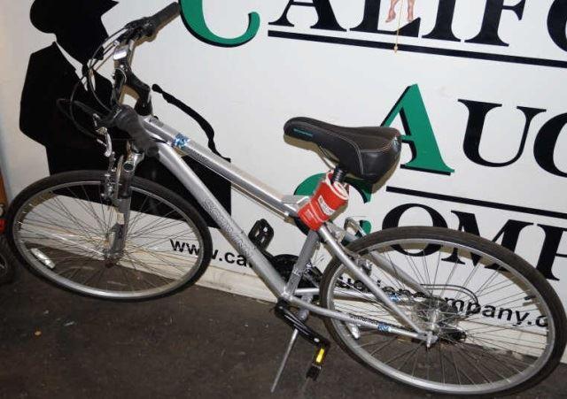 e1bdfbbed94 Image 1 : Men's 700c Schwinn Verano Bike, New ...
