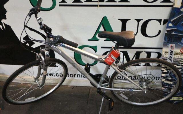 96a4230fe72 ... Image 2 : Men's 700c Schwinn Verano Bike, New ...