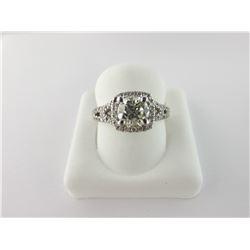 135-14241:18K white gold diamond ring