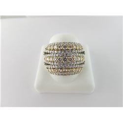 160-20107:18K white and yellow gold diamond ring