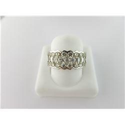 162-10057:18K white gold diamond ring