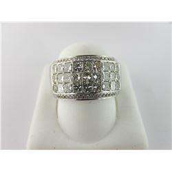 164-11155:14K white gold diamond ring
