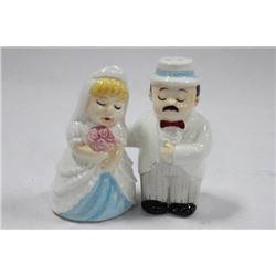 PORCELAIN BRIDE AND GROOM SALT & PEPPER SHAKER SET