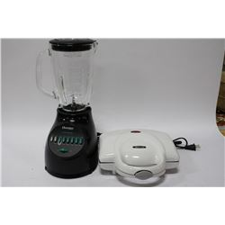 OSTERIZER BLENDER SOLD WITH BELLA SANDWICH GRILL