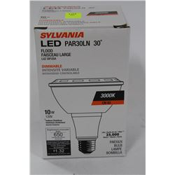 SYLVANIA 10 WATT=50 WATT 3000K LED FLOOD LIGHT