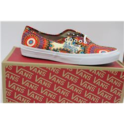 PAIR OF NEW VANS SHOES MENS SIZE 4.5