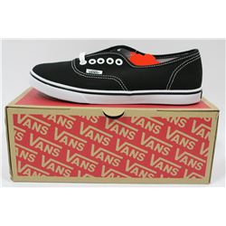PAIR OF NEW VANS SHOES MENS SIZE 5.5