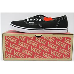 PAIR OF NEW VANS SHOES MENS SIZE 6.5