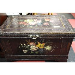 BROWN WOOD FLOWERED CHEST