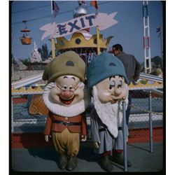 Collection of (10) amateur 3-d stereo slides from diseyland circa 1958-1961