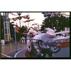 COLLECTION OF (70) AMATEUR PHOTOS AT DISNEYLAND CIRCA 1970S-1980S