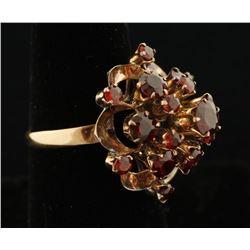 Vintage 14K Garnet Ring.