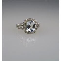 Charming Aquamarine & Diamond Ring.