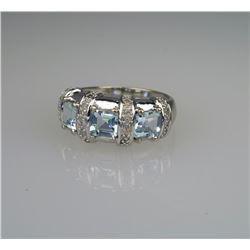 Delightful Aquamarine & Diamond Ring.
