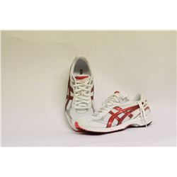 ASICS WOMENS SIZE 8 RUNNING SHOES