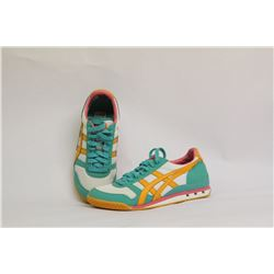 ONITSUKA TIGER WOMENS SIZE 7 SHOES