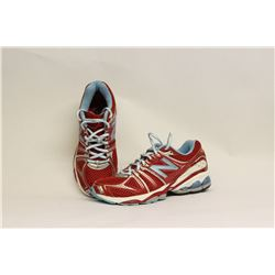 NEW BALANCE WOMENS SIZE 5 RUNNING SHOES