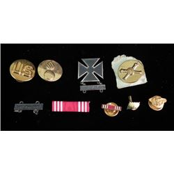 WWII U.S. LOT-BRASS, MARKSMAN & RIBBON