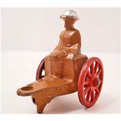 VINTAGE BARCLAY MANOIL SOLDIER ON WAGGON LEAD FIGURE