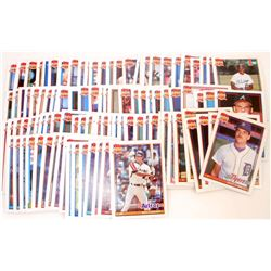 LOT OF APPROXIMATELY 100 VINTAGE TOPPS BASEBALL CARDS