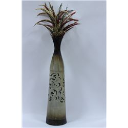 DECORATIVE VASE WITH FEATHERS