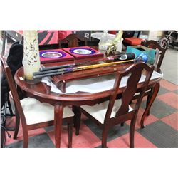 MAHOGONY STYLE DINING TABLE WITH 2 LEAFS, 4 CHAIRS
