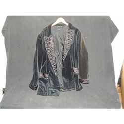 ADAMS FAMILY THE SCREEN WORN GOMEZ SMOKING JACKET