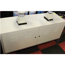 WHITE LOCKING METAL CABINET