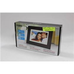 "COBY 7"" WIDESCREEN DIGITAL PHOTO FRAME, IN BOX"