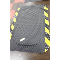 SMALL RUBBER FATIGUE MAT