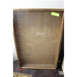 20X30 LOCKABLE DISPLAY CASE