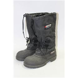 SIZE 7R STEEL TOE BOOTS