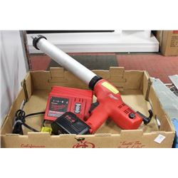 MILWAUKEE CORDLESS COMMERCIAL CAULKING GUN